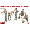 German Soldiers at Rest (5 fig.)