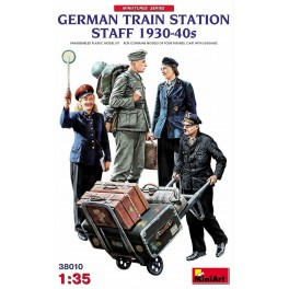 German Train Station Staff (4 Figs.)